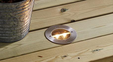 Zijn er ook grondspot inbouwlampen voor buiten met zonnetechniek?